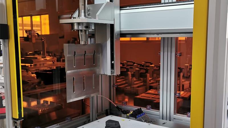 三轴超声波橡胶切割整机
